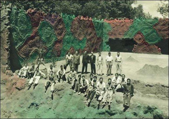 [Chapultepec Zoo in Mexico City - 1942]